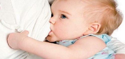 Photo of تحذير.. الرضاعة الطبيعية تبدأ بعد ساعة واحدة فقط من الولادة لهذه الأسباب