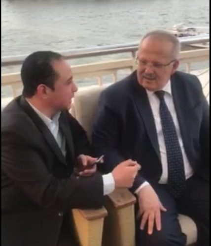 Photo of رئيس جامعة القاهرة لبدر عياد: لا أهتم بأي خلافات شخصية أو معارك جانبية ولواء العمل فوق كل هذا